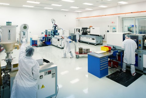 injection-molding-cleanroom-technicians