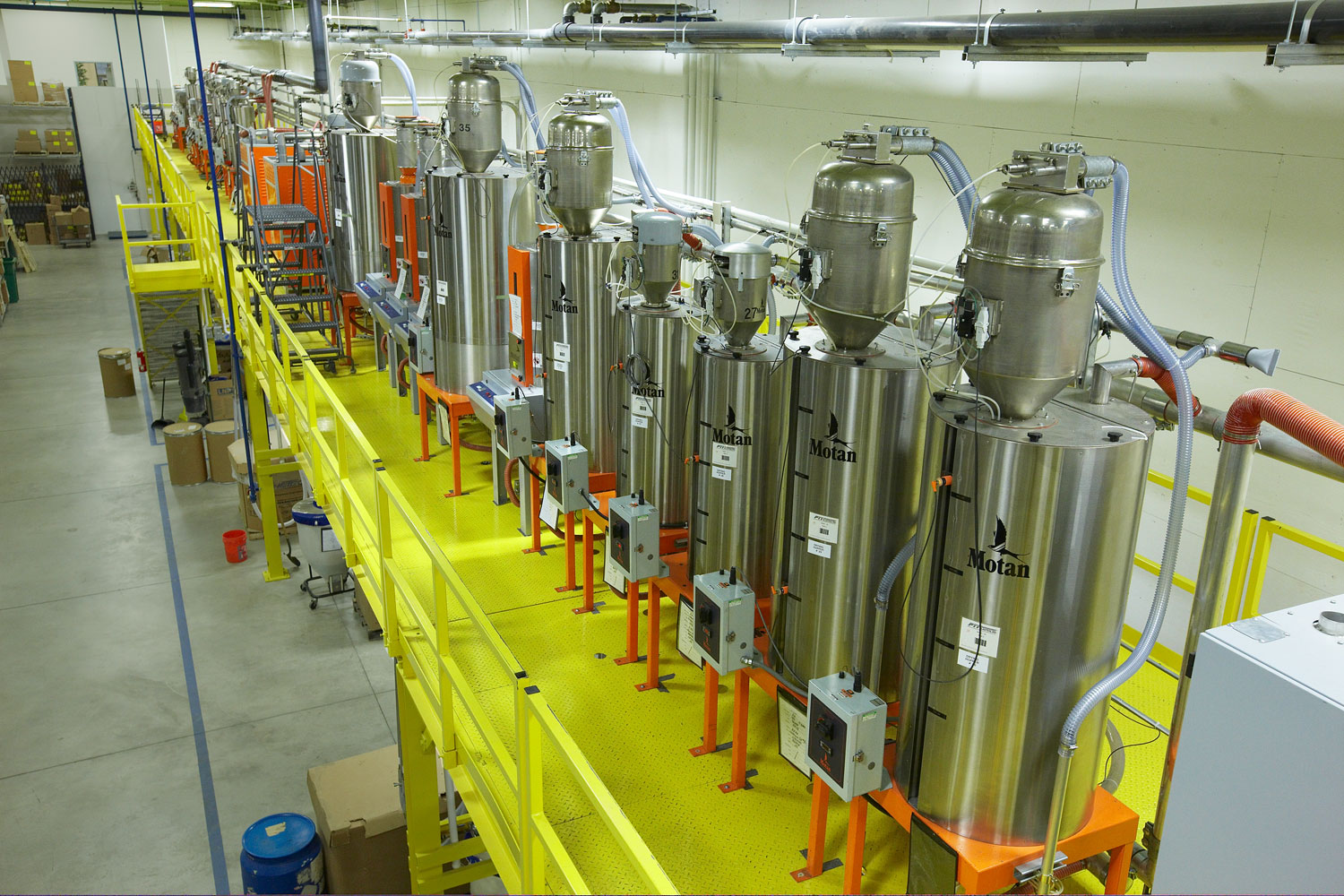 small-large-injection-molding-runs